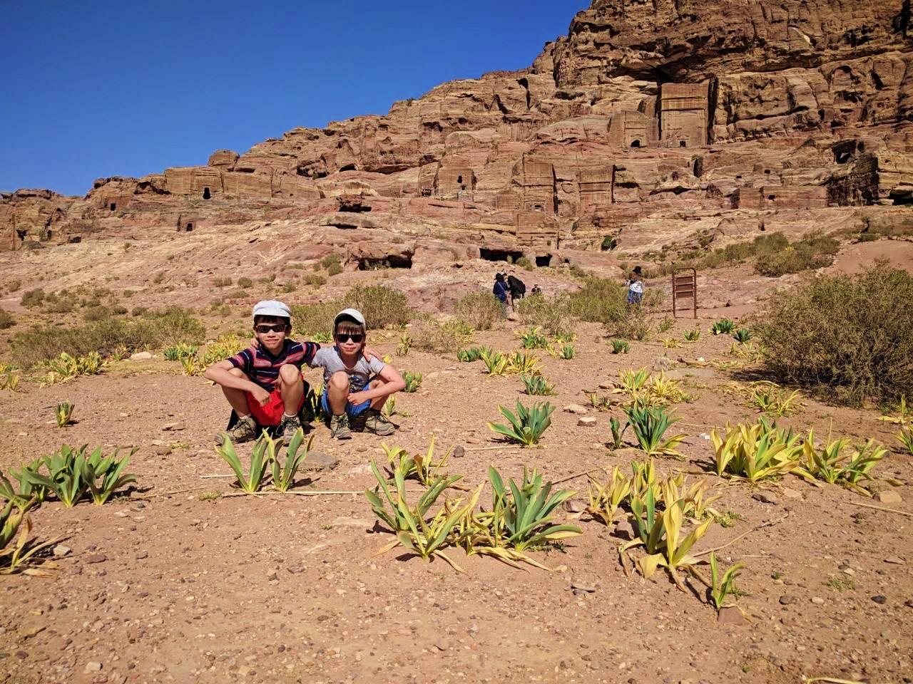 Prends ton baluchon - Abel et Clarence dans le désert jordanien