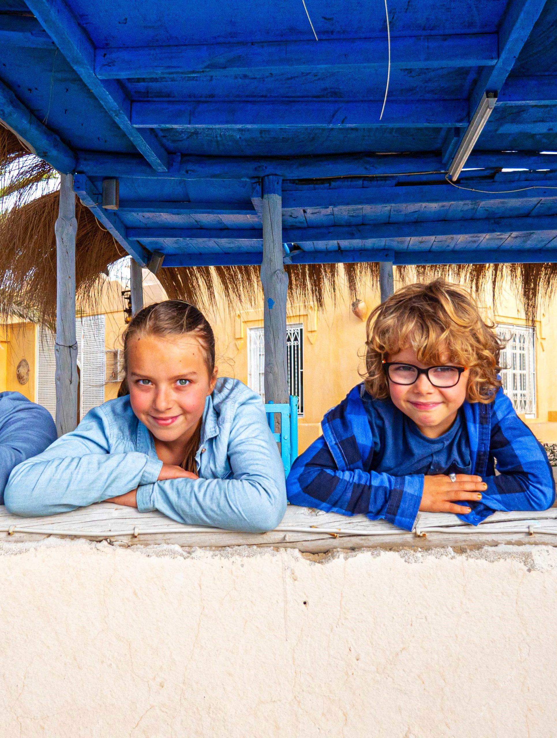 Prends ton baluchon - Daphné et Liam à Djerba